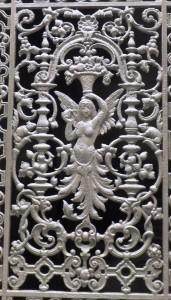 grille décorative de porte d'entrée